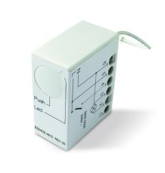 Récepteur radio et logique de commande avec commutateurs intégrés